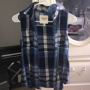 Abercrombie & Fitch Cut-Off Flannel